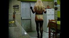 Dona slow motion walk
