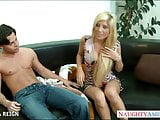 Chesty blonde Tasha Reign gets facialized