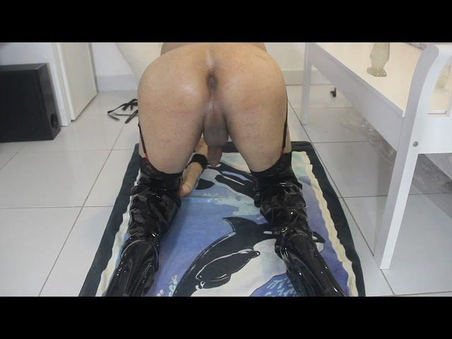 Crossdreeser nasty dirty anal play (messy assjuice)