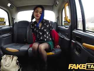 Download video bokep Fake Taxi Petite British minx loves anal booty call in taxi Mp4 terbaru