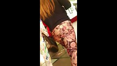 rica milf en leggings
