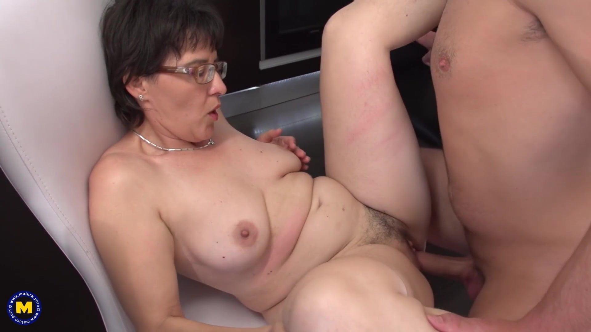 Mom Kitchen Porn