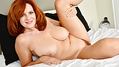 Florida milf Andi James spends quality time with her dildo