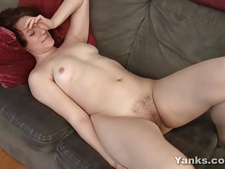 Redhead Yanks Babe Vera Masturbating
