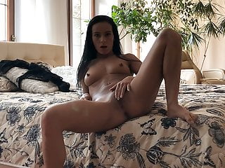 Lexidona - Watch me strip and tease my pussy on a hotel bed