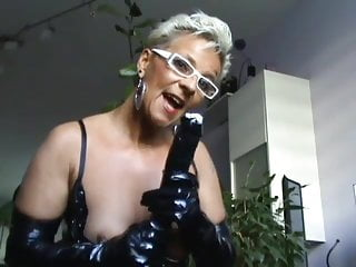 Preview 1 of German mature milf showing hot to suck a dick