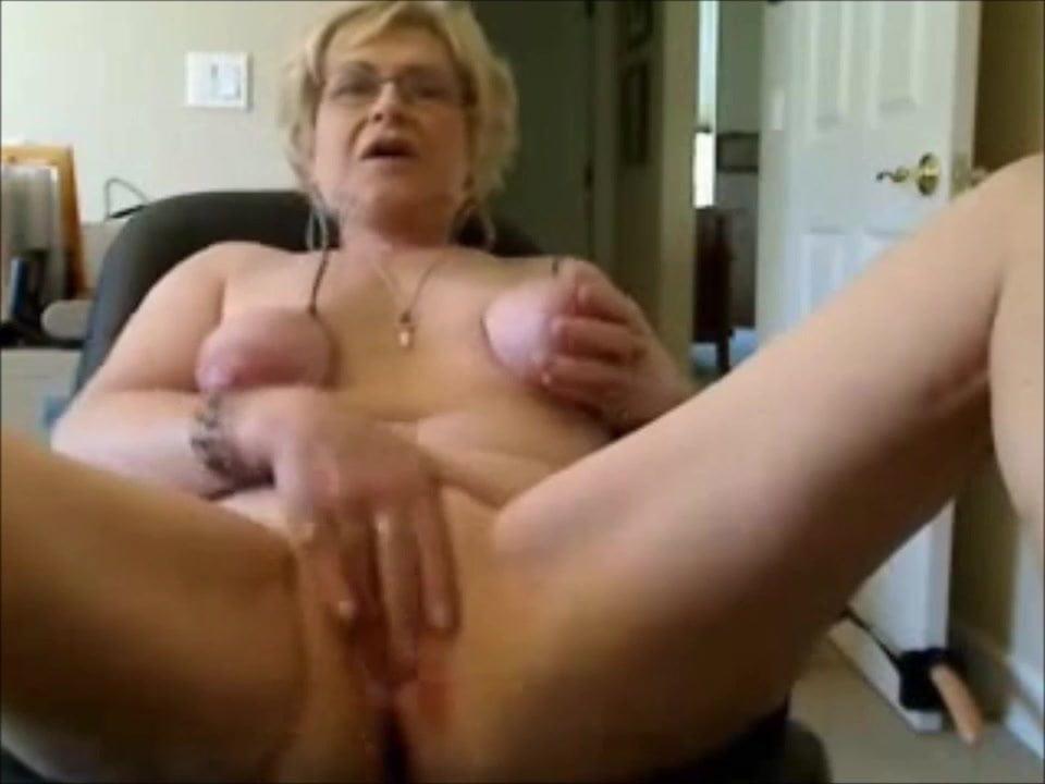зрелая блондинка перед вебкой секс мастурбация трах скрывать