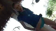 petite latina baila ella sola para ti