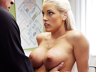 Loank Gorgeous Blonde With Perfect Body Offers Agent Sex