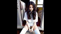 Selena Gomez Super Cute Girl