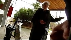 Granny flash порно