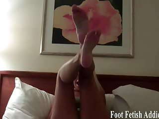 I Want You To Cum On My Feet