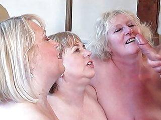 Download video bokep Giggly grannys sharing cock Mp4 terbaru