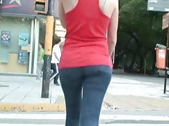 Candid hot girl walking in tight jeans