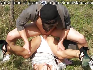 Hot grandmom screaming for help to get her pussy stuffed