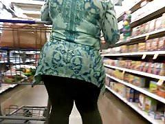 Sexy MILF Wide Hips VPL Teil 2