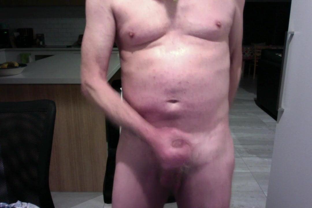 Cumming on cam