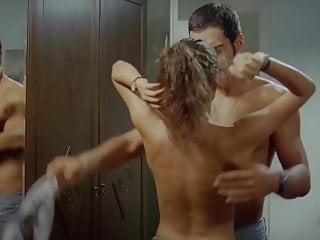 Download video bokep Turkish Beren Saat Topless in Gecenin Kanatlari Mp4 terbaru