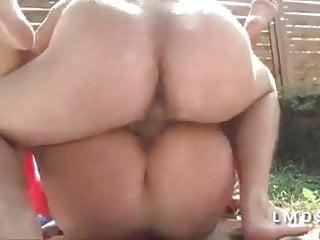 Grosse cochonne bien sodomisee dans la Maison du Sexe