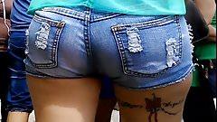 Jovencita Culona, Caderona y Piernona en shorts