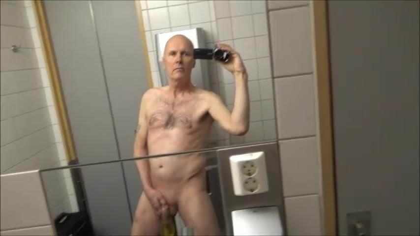 hubená tattooed boys cum gay