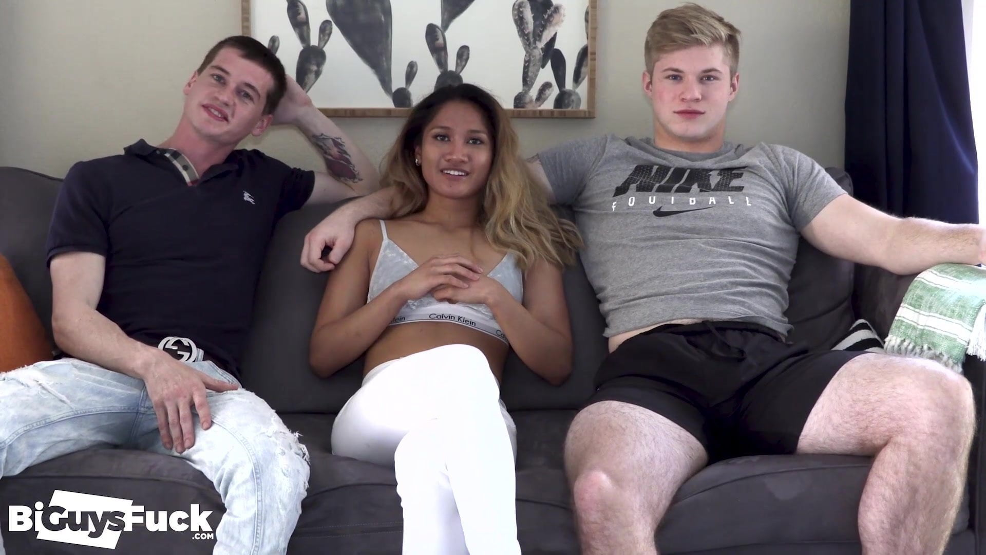 SEXY AF! ASIAN SEXY GIRL GETS 2 HOT JOCKS TO FUCK HER & EAC
