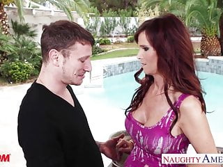 Busty mom Syren De Mer fucking outdoors