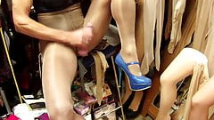 Masturbating in Glossy used 40 den pantyhose in Cashmere