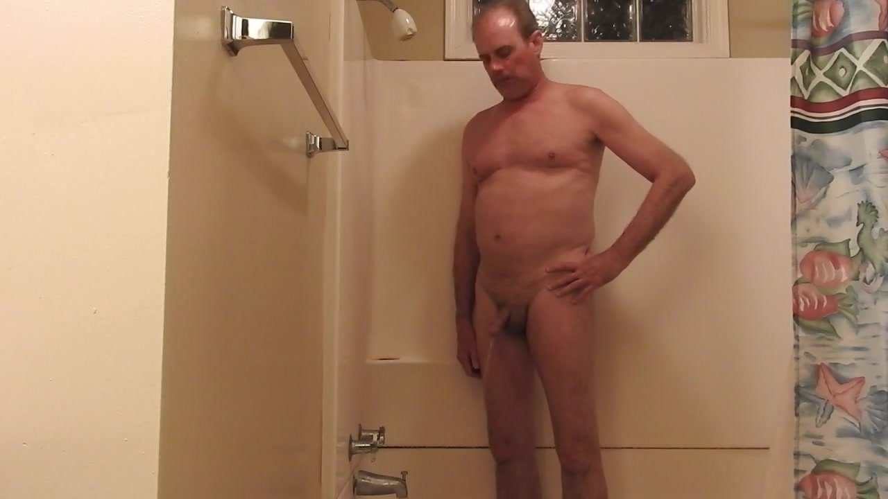 videos-blockbuster-man-peeing-naked-in-bed-extra-images-nude