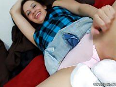 Busty teenie bouncing on huge fat dick in Hawaiian outdoors