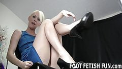 My feet are here for you to jerk off to JOI