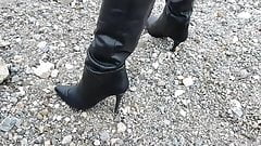 Overknee leather boots wet in the river