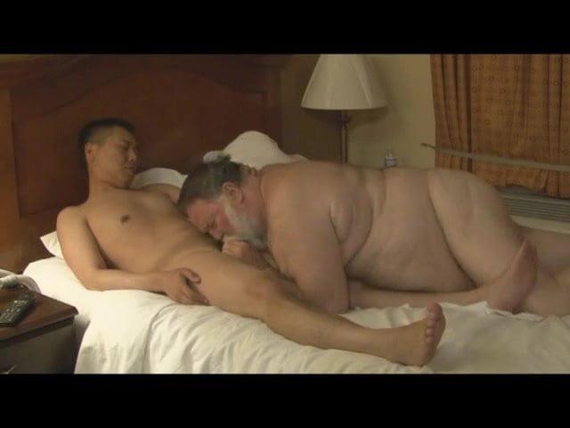 Bear Daddy Chaser Gay Porn