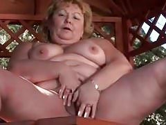 mature BBW  fingering her pussy