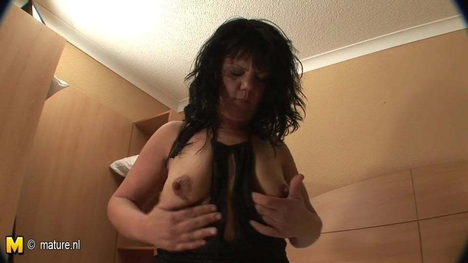 Mature huge squirting mmmm