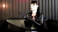 leather boots leather fetish Lady Cheyenne de Muriel's Thumb