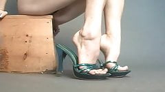 Sexy green mules on sexy veiny feet show.