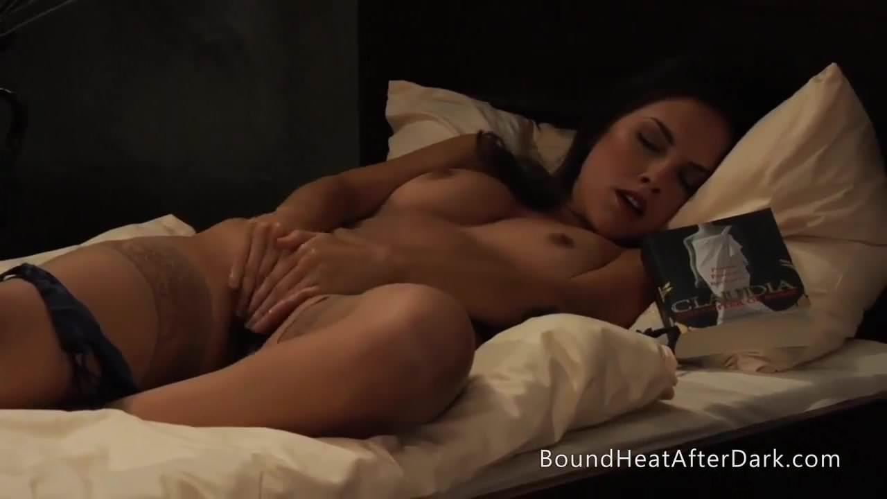 The Roman Dreams Collar Around Her Lesbian Neck Hd Porn 8C-8485
