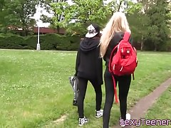 Lesbian teen pussylicked while toyed outdoors