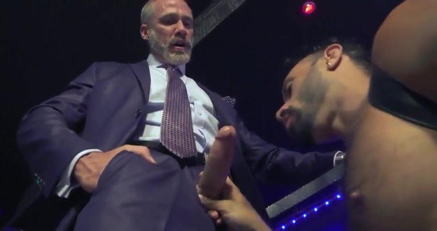 Amateur women watch guy masturbate