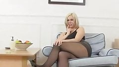 ANNA JOY FINGERS HER HOT WET PUSSY AND GETS OFF IN STOCKINGS