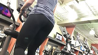 Nice Tush On This Milf (HD) (Slo-Mo) 09-04-17