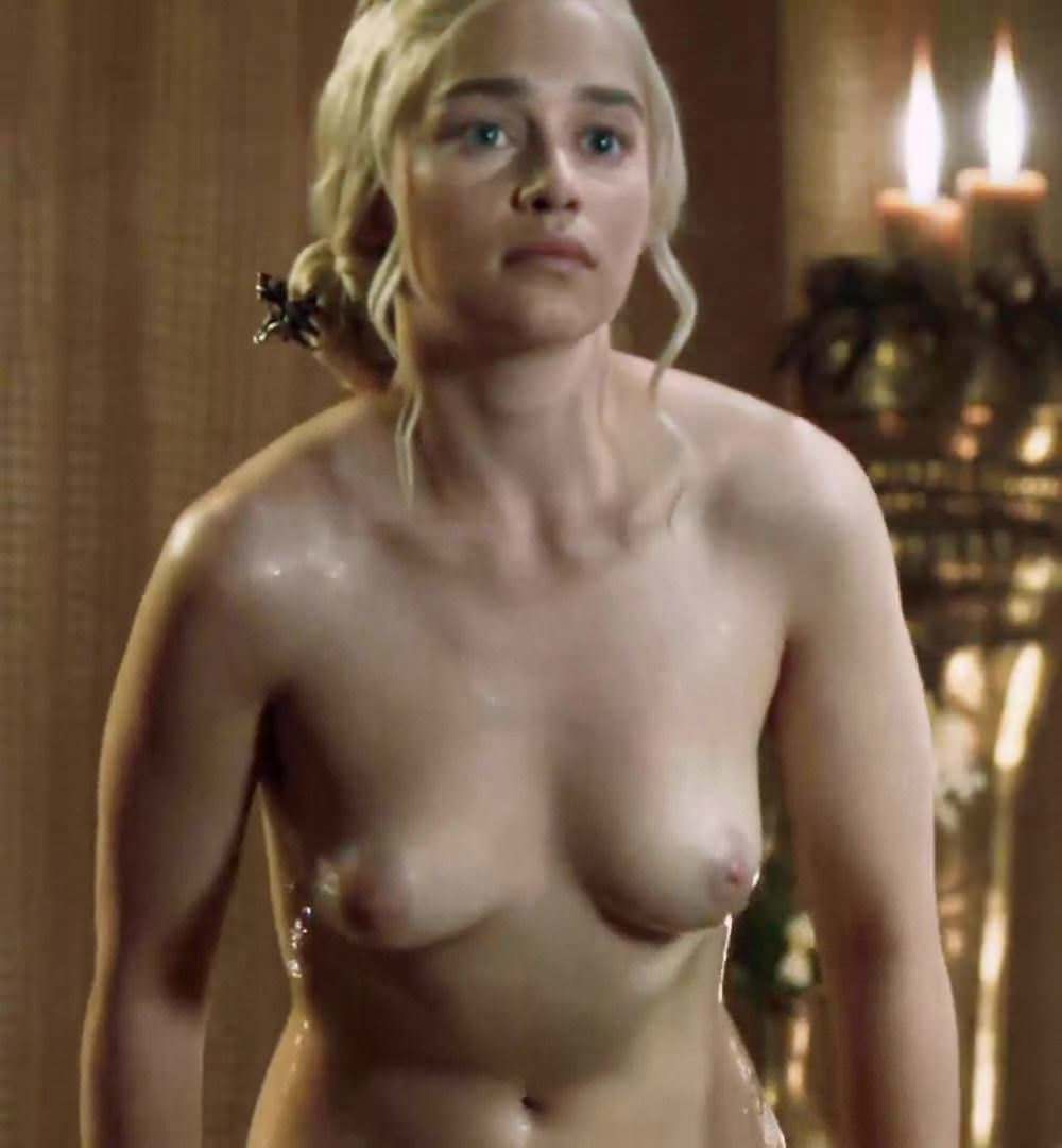 Alison Brie Nua emilia clarke showing tits and ass getting out of the tub