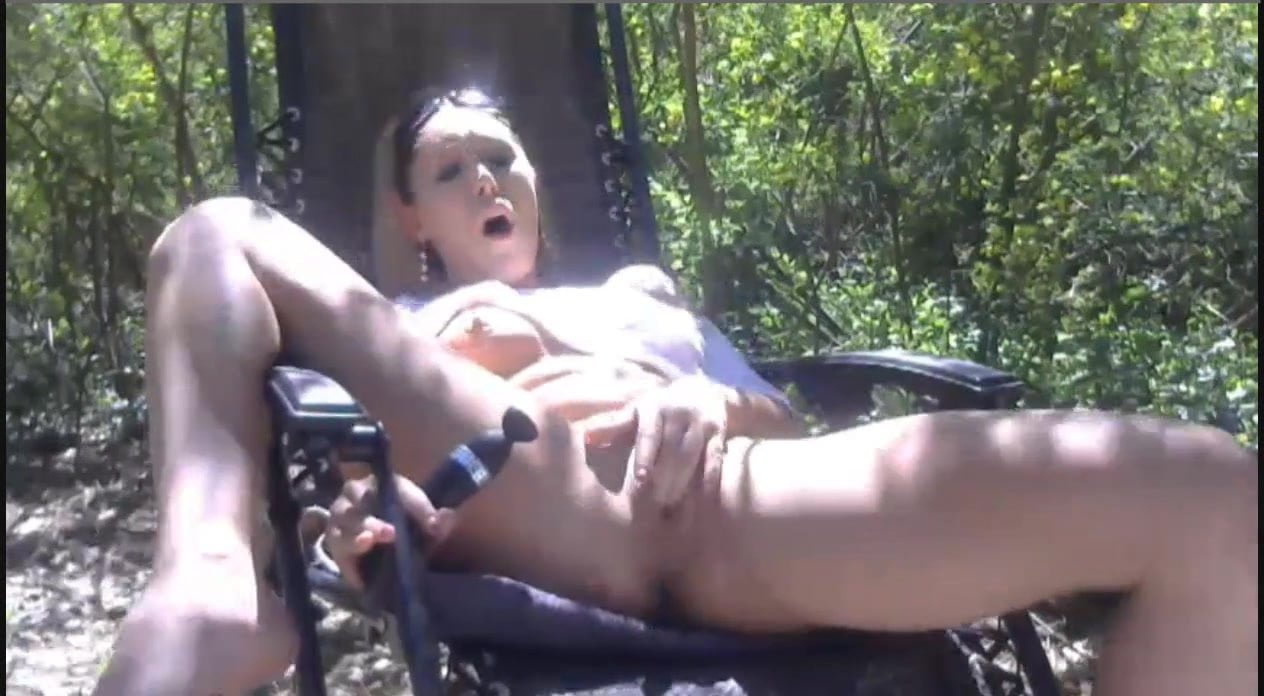 Girl squirt in public
