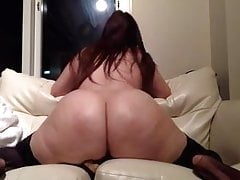 Amateur bbw milf huge ass riding dildo