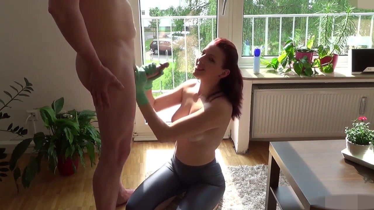 Jayna Munches Christines Sweet Pussy