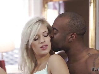 Ria Sunn knows her new black BF is virgin but has huge cock