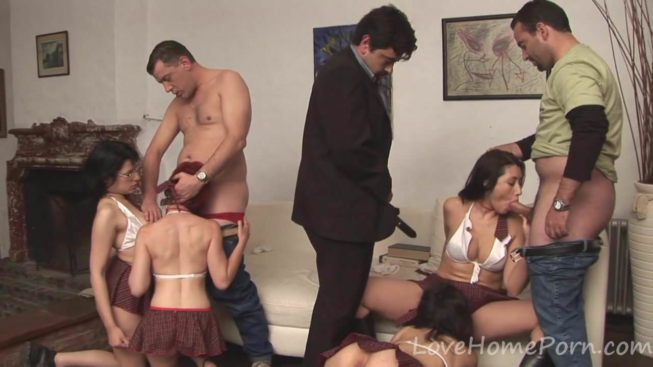 Bisexual Schoolgirls Love Banging In An Orgy Free Porn 3A-9659