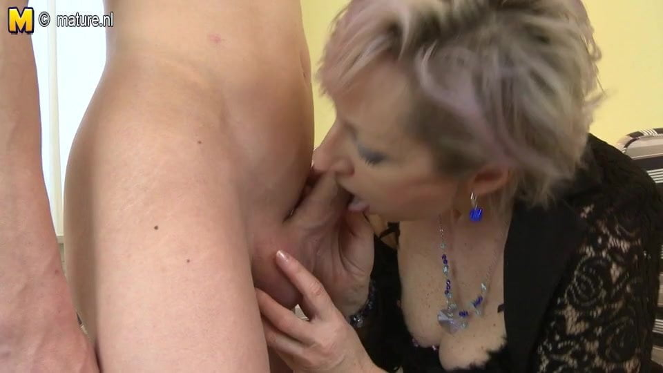 Naked blonde blowjob homemade