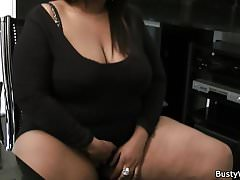 Ebony plumper spreads legs for job